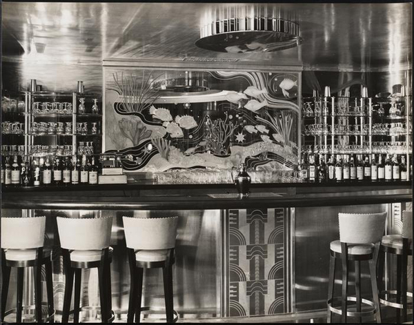 The lounge at the Hotel Croydon, 12 East 86th Street, 1936